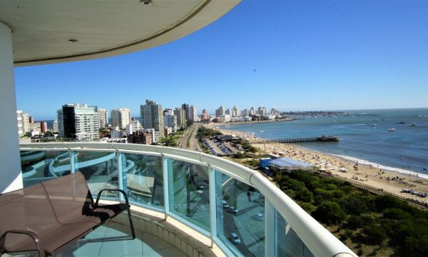 Espectacular Apartamento 3 Dormitorios y Dep. Millenium Tower.