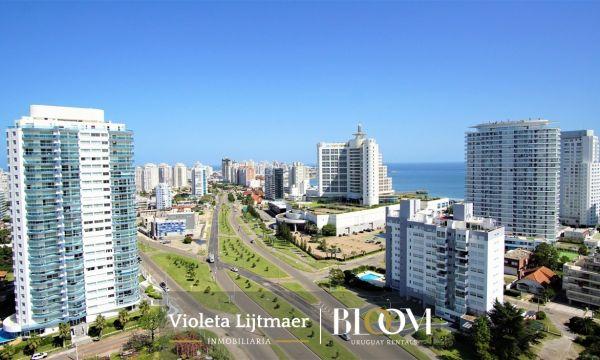 Apartamento en Piso Alto, A Estrenar, 2 Dormitorios, Alexander Boulevard.